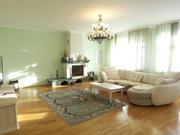5-комн. квартира,  отделка,  мебель,  10 млн. рублей. Гаражи в подвале и